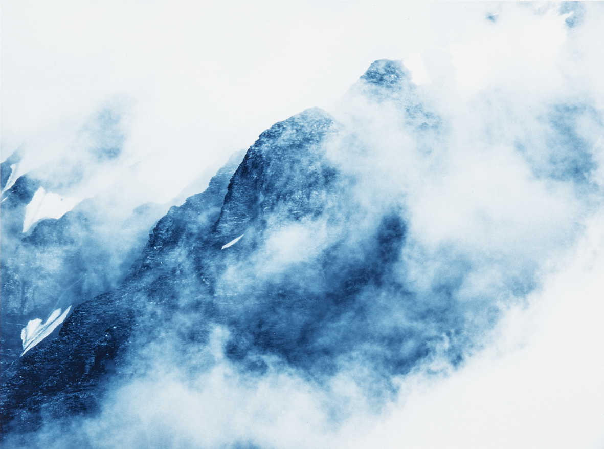 Mountains and clouds cyanotype – copie